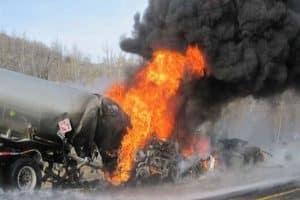 سرنشینان تانکر حامل بنزین در آتش سوختند/اخبار حوادث تایم آرامش